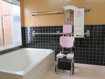 手動式入浴リフト バスラック